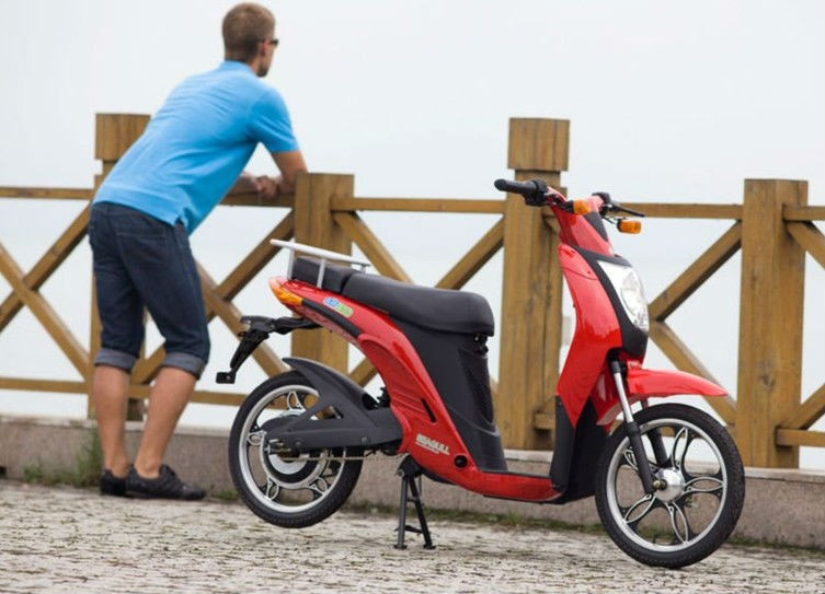 2015 Fashion EEC approved electric scooter with pedals