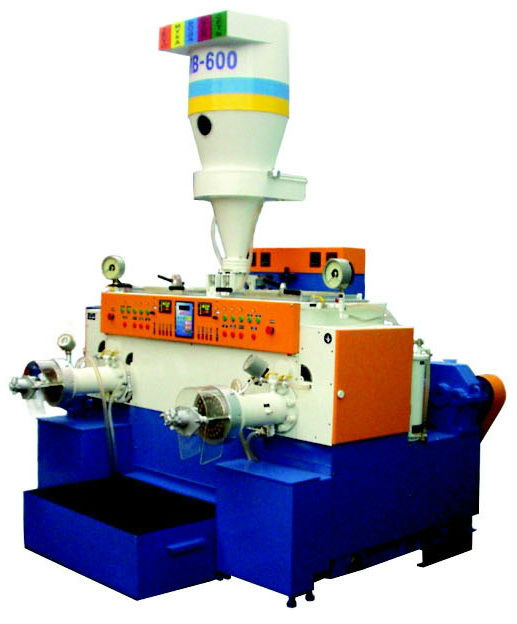 Industrial pasta machine with the capacity of 600 kg/hr
