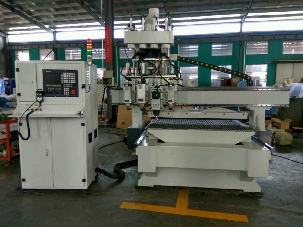 High configuration 4 heads CNC cutting machine for kitchen cabinet making