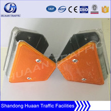 Plastic highway guardrail delineator reflector