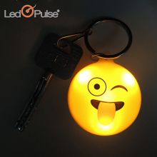OEM ODM Welcome Emoji Smiley Mini Led Flashlight Keychain