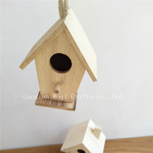 2017 New product wooden wooden arts crafts bird house, Custom made wholesales garden decorative hanging resin bird house
