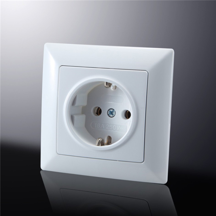 Electrical Equipment Eco-Friendly Save Power european schuko plastic wall socket 2P+T