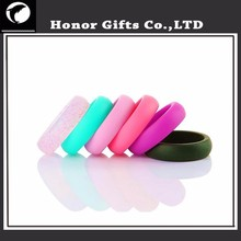 Amazon Best Supplier Embossed Silicone Plastic Rubber Wedding Rings