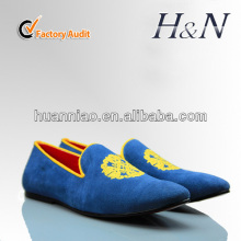 2017 new style velvet embroidery shoes men velvet loafer