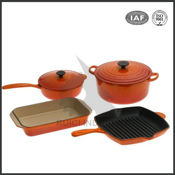 China enamel coated cast iron cookware set