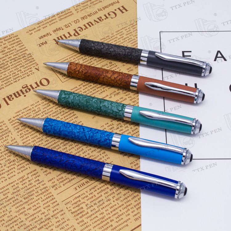 2018 Customized color PU leather grip ball pen gift embossed ballpoint pens