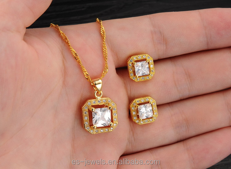 2017 Set Jewelry Gold Plated Pendant Necklace and Stud Earrings