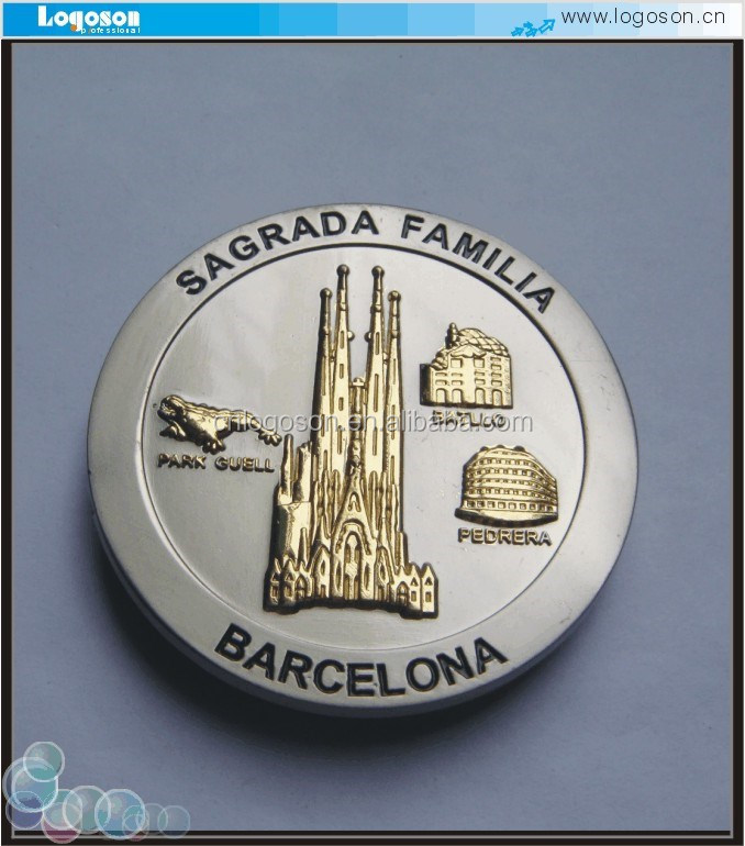 Round shape two color plating Barcelona fridge magnet