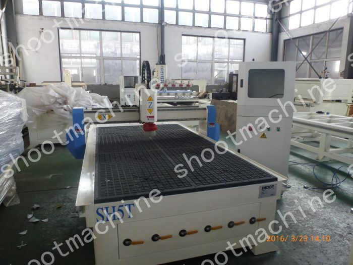 CNC Woodworking Router Machine SH5T with X Y working area 1300x2500mm