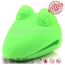 silicone heat resistant glove kitchen accessory,kitchen tool,kitchen utensil