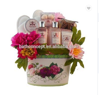 OEM factory Personal care flower hand made basket spa bath gift set