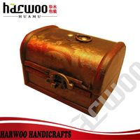 Luxury antique pine wood case for jewelry with lock
