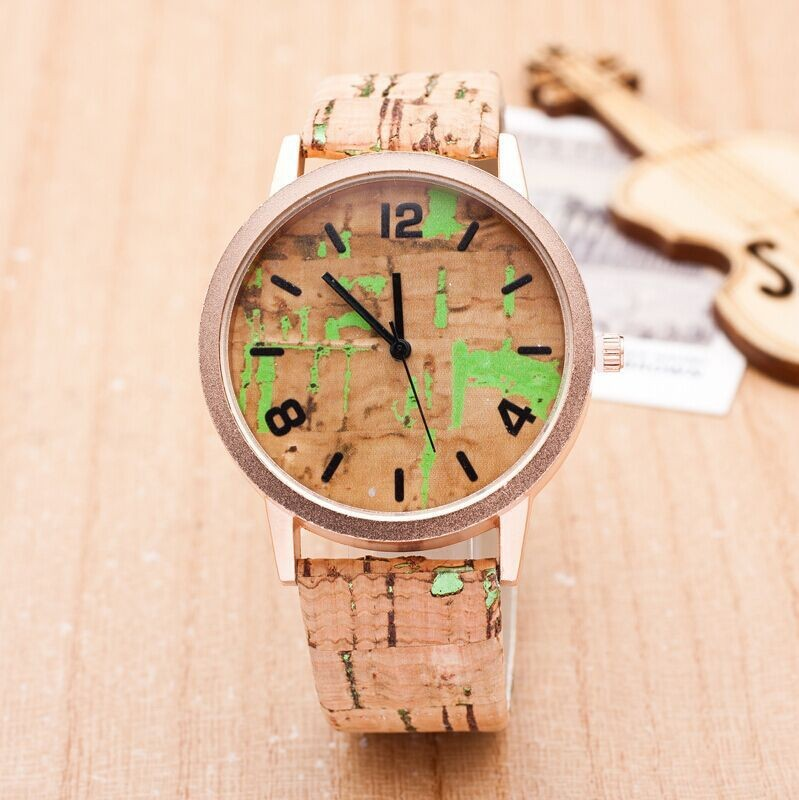 From China manufacture wholesale wooden fashion watches made of leather between bamboo watches quartz watches