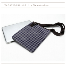 Nylon material simple design small size bag for Ipad with durable shoulder strap
