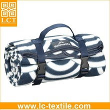 supply 2015 fashional design roll up machine washable polar fleece milk blanket with carry strap(LCTM0066)
