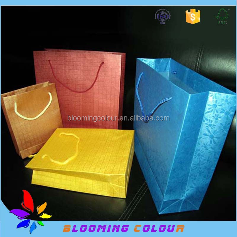 Different kinds of gift packaging paper bag/custom design craft products packaging bags
