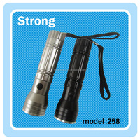 2016 best selling outdoor portable mini led torch light portable power bank