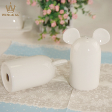 Porcelana sal y pimienta shaker wedding mickey