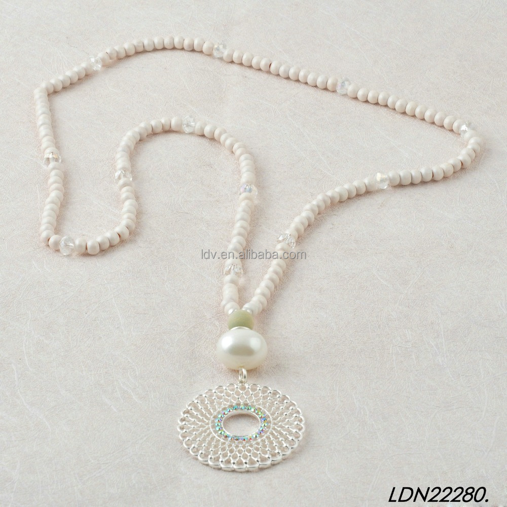 white wood bead with hollow round pendant handmake necklace