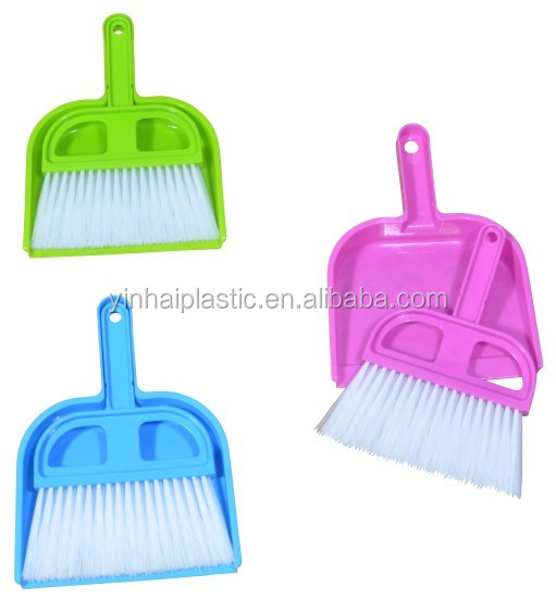 Hot sell plastic cleaning brush and dust pan set for table desk cleaning