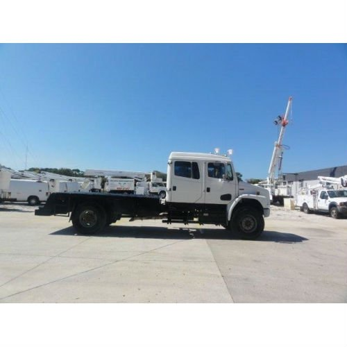 2002 Freightliner FL70 4x4 Cab and Chassis