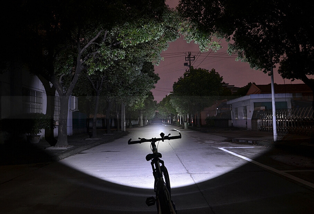 Portable Bike Flashlight Speaker Multi Function Sports Music Torch TF Card MP3 Player Multicolor