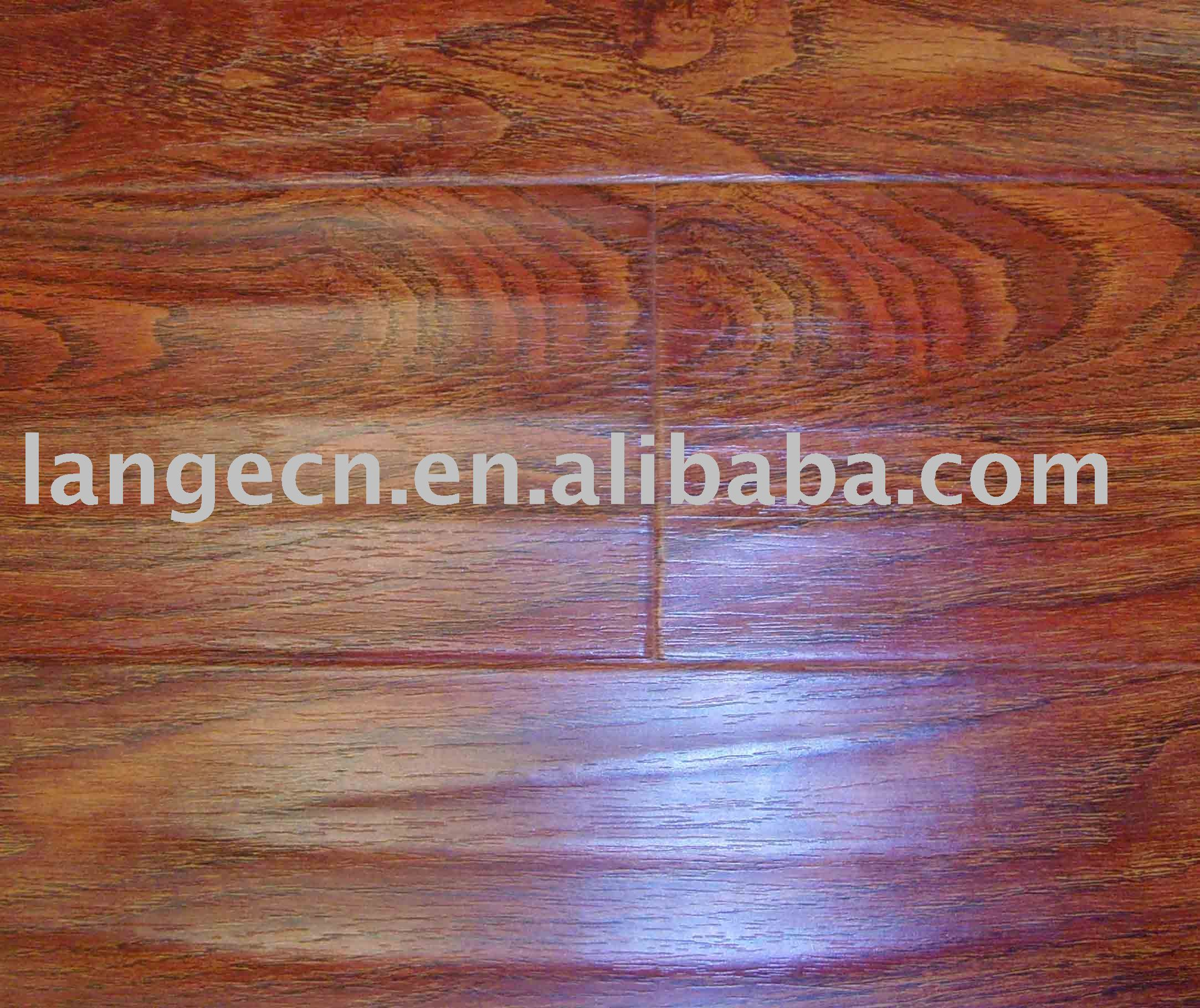 distressed/hand strapped laminate floor with register emboss