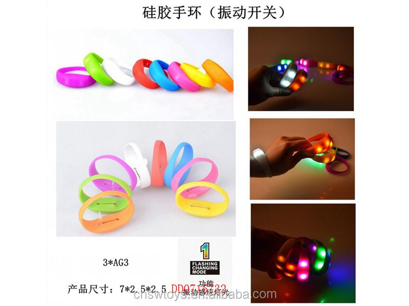DD0715730 Shatou toys flash bracelet 3 model light up toys for night playing