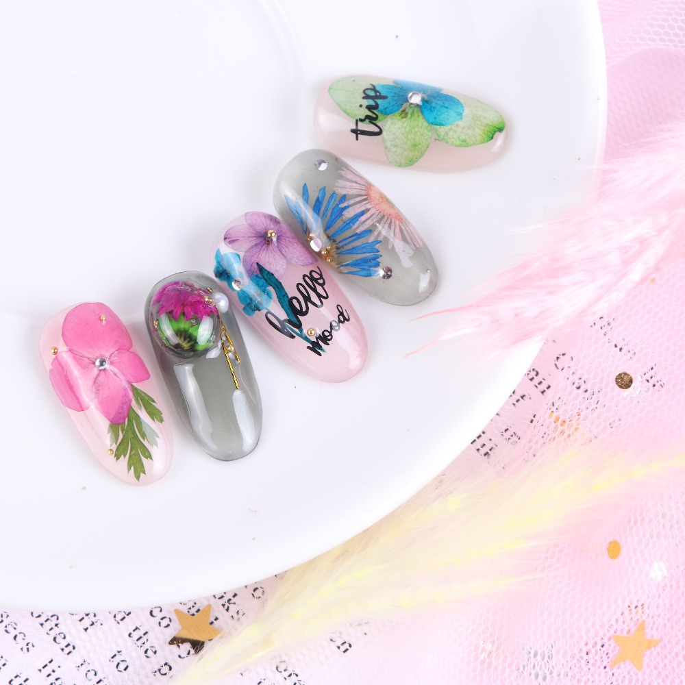 2019 new round case nail dry flower decals sticker for nail with different designs