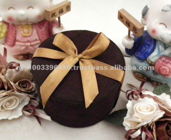 Elegant Velvet Wedding Gift Packing Box