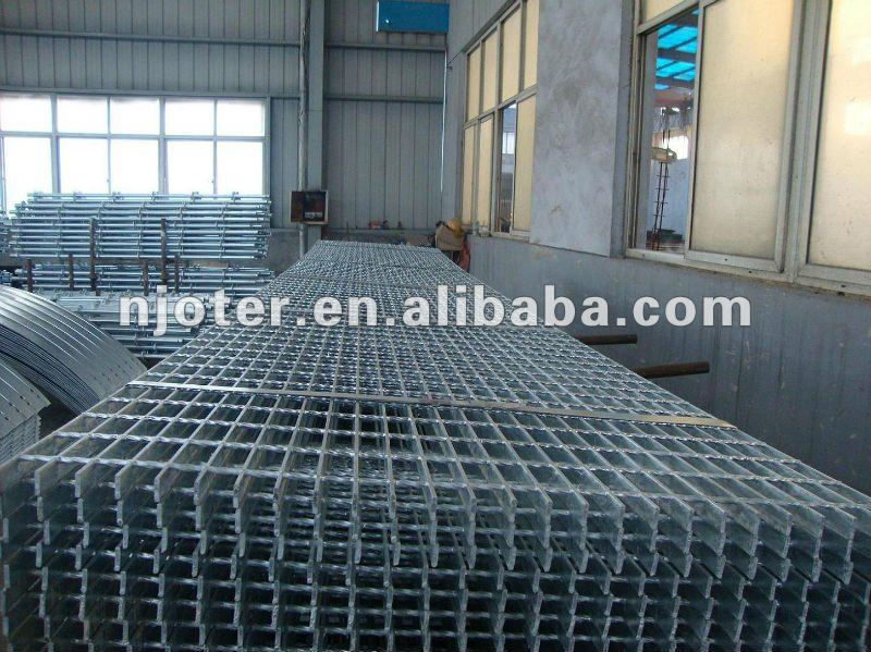Best quality and service, most competitive price hot dip galvanized flooring 30x3 galvanized steel grating