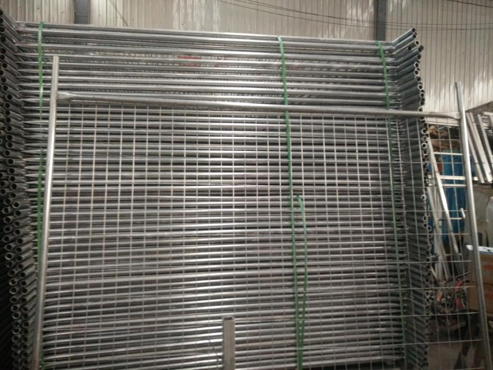 2400mm(L) x 2100mm(H) temp fence