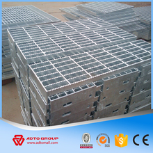High Quality Cheap Price 30x3 Galvanized Steel Grating Serrated Grating Steel Deck Grating