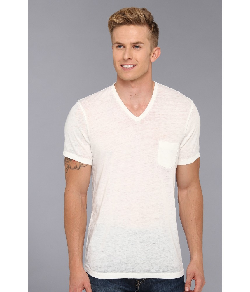 A white T-shirts is one of the most versatile pieces of clothing a guy can own. Whether as an base layer or on its own, it works in every year and for every style. Of course, it's also plain white.