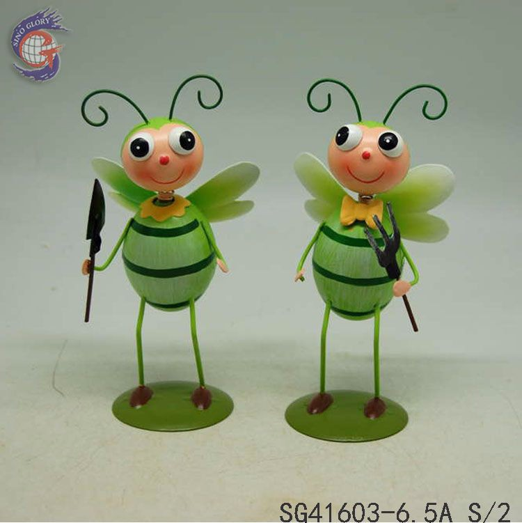 set 2 green metal dragonfly garden ornaments