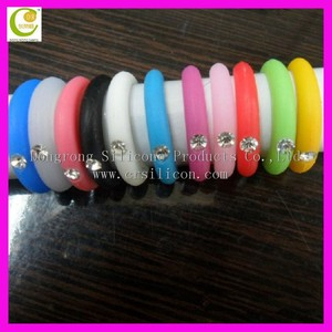 Wholesale promotion giveaways fashion wedding souvenir colorful silicone gemstone wedding ring