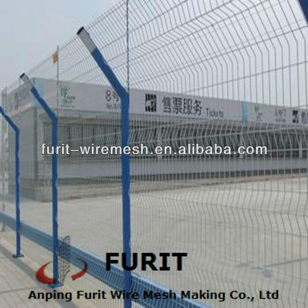 high quality PVC coated fence/chain link fencing mesh/welded Metal fencing wire mesh