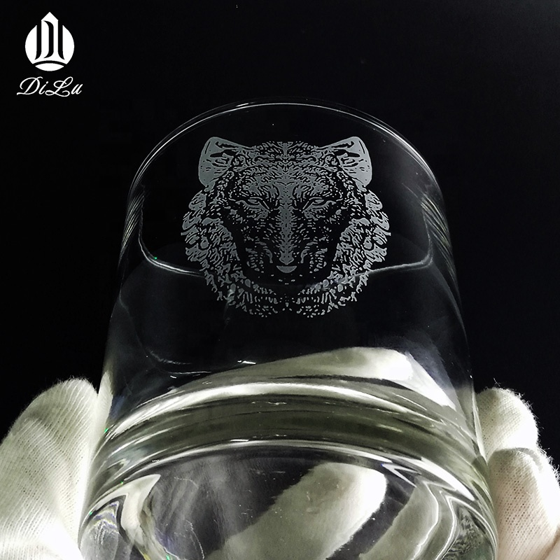 DL FREE SAMPLE 2019 hot sale engraved Wolf head logo vodka tequila shot glass cup/Round scotch whisky glass cup/Wine Glass Cup