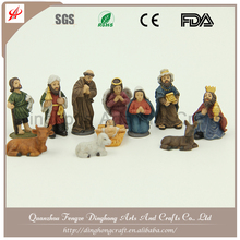 Lovely Small Santa Claus,Plastic Gifts Maker Polyresin Nativity Set
