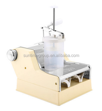 Small household manual dumpling making machine with hand rocker