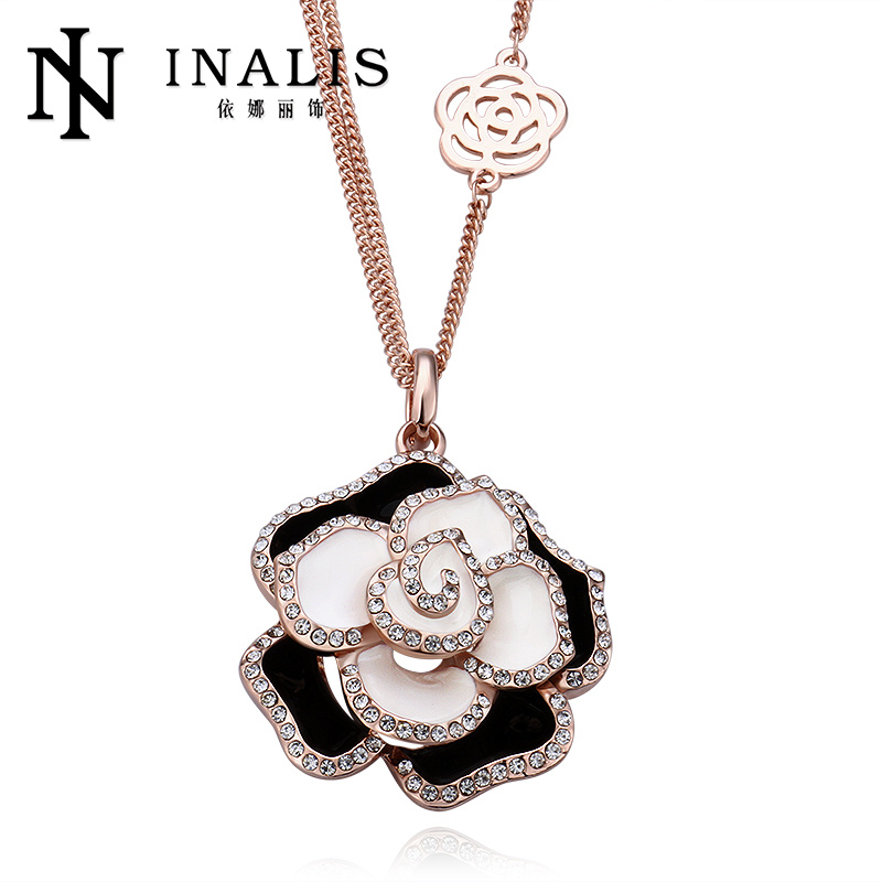 2014 ROHS Past sweater chain flower shaped pendant necklaces M015