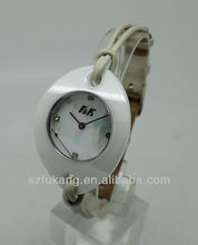 2013 factory new design white ceramic case string band fashion beautiful watch mobile