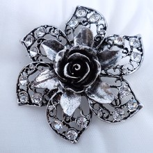Top selling loopy rhinestone and crystal round magnetic brooch for invitation