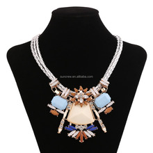 New arrival wholesale women fashion jewelry no.SN15149 gorgeous chunky statement necklace in china