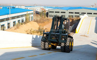 four wheel drive forklifts/rough terrain pallet truck