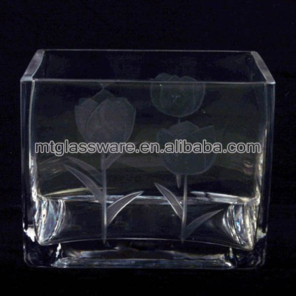 Rectangular glass vases for flower arrangement for wedding, decorating.