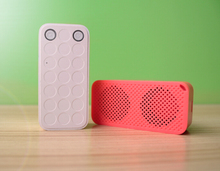 Portable mini digital speaker