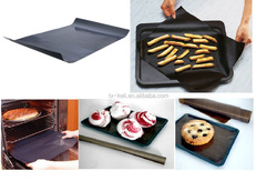Non-Stick Pan Liner baking sheet stop cupcakes from sticking to their cupcake wrappers