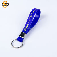 2017 new design hot sale custom silicon rubber keychain custom text silicone keychain with the hook